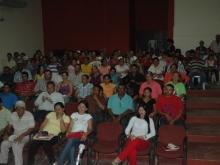 Reunidos en la Entrega de certificados a los Consejos Comunales del Municipio Democracia