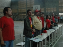 Los presentes en la entonacion del las Gloriosas notas del Himno Nacional