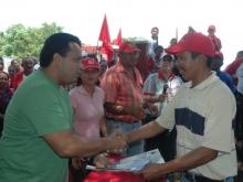 Entrega de Cartas Agrarias a Productores de la Parroquia Aracua, del Mcpio. Bolivar